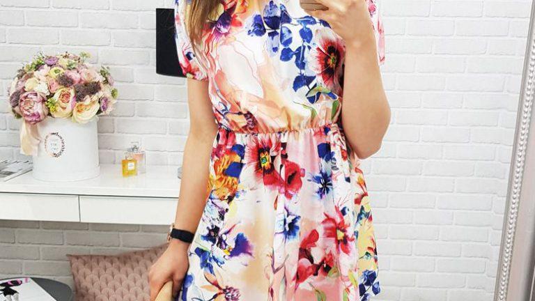 sukienka w kwiaty - modny wzór