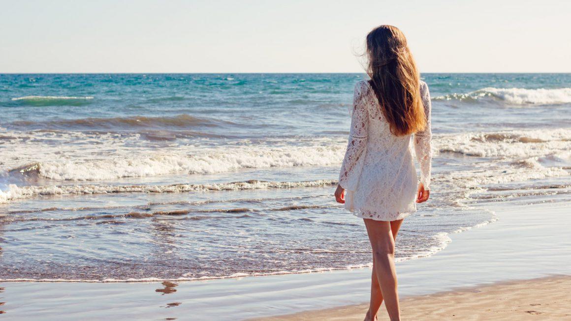 Erotyczne ubrania – dlaczego zmysłowa sukienka to dobry wybór?