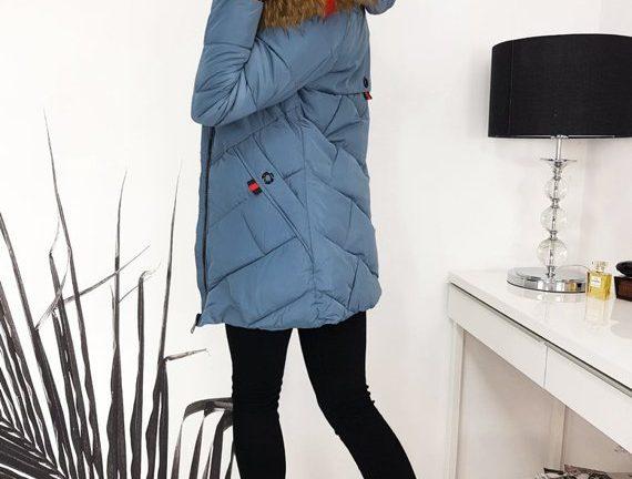 zimowa kurtka damska pikowana z futrzanym kapturem