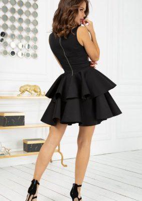 Sukienka wieczorowa – element garderoby o tysiącach obliczy