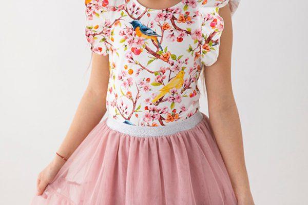 Spódniczki dla dziewczynek – modne fasony na 2021 rok!